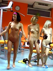 4 schoolgirls play with cock during work-out